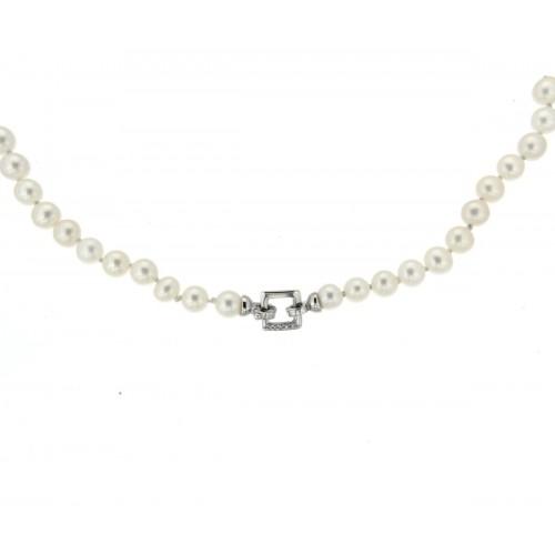 Girocollo di perle centrale chiusura quadrato con diamanti carati 0,01 G-VS1