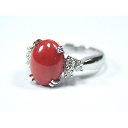Anello corallo carati 4,77 con diamanti carati 0,26 G-VVS1
